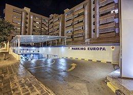 Entrada de vehículos del parking Hospital Alicante