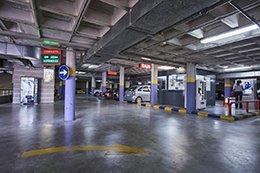 Interior del parking Hospital Alicante